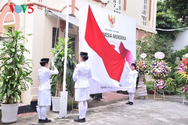 Upacara Bendera sehubungan dengan Hari Kemerdekaan Republik Indonesia (17/08/1945-17/08/2018) - ảnh 1