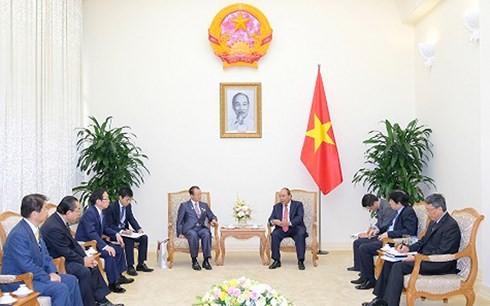 PM Vietnam, Nguyen Xuan Phuc menginginkan agar Vietnam dan Jepang memperkuat kerjasama ekonomi - ảnh 1