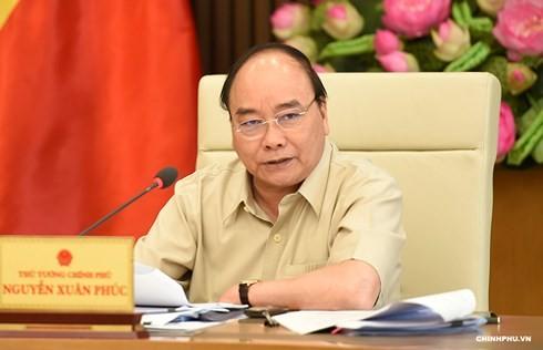 PM Vietnam, Nguyen Xuan Phuc memimpin sidang Badan Harian  Pemerintah - ảnh 1