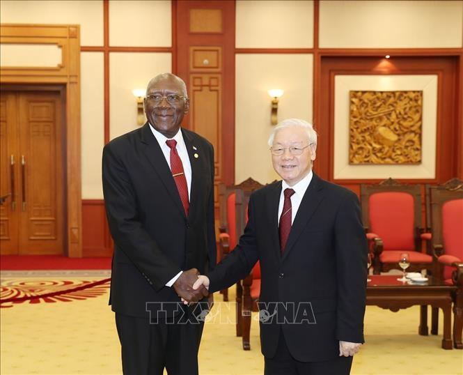 Pemimpin Partai, Negara dan MN Vietnam menerima Wakil Ketua Pertama Dewan Negara dan Dewan Menteri Kuba, Salbador Valdes Mesa - ảnh 1