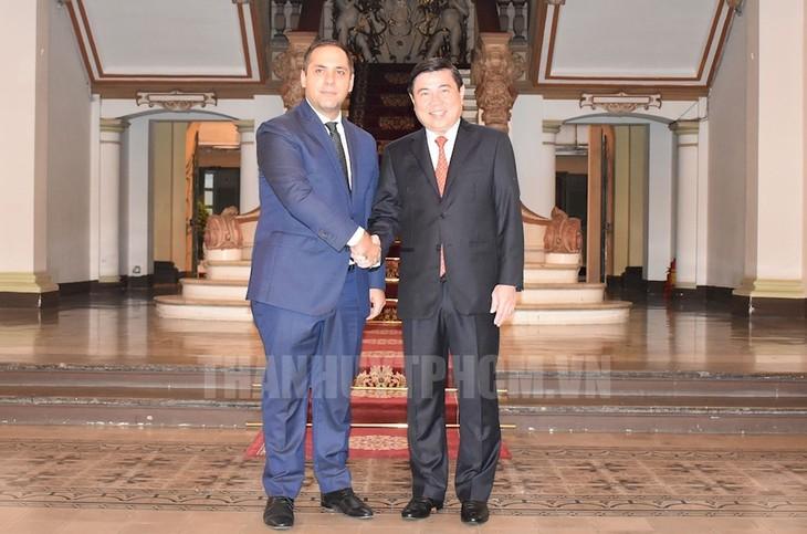 Kota Ho Chi Minh dan Republik Bulgaria mendorong kerjasama ekonomi - ảnh 1