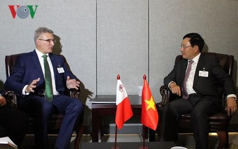 Deputi PM, Menlu Pham Binh Minh melakukan kontak bilateral di sela-sela MU PBB, angkatan ke-73 - ảnh 1