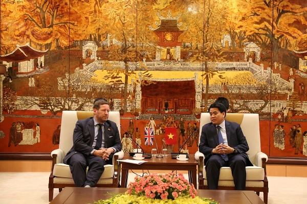 Kota Ha Noi memperkuat kerjasama dengan Kerajaan Inggris Raya di banyak bidang - ảnh 1