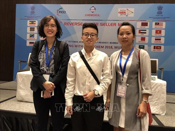 Vietnam menyosialisasikan barang-barang di Pekan Raya Kimia di India - ảnh 1