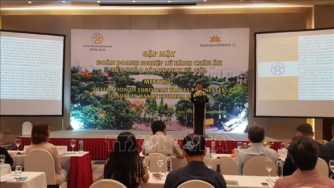 Badan usaha perjalanan dari 11 negara Eropa melakukan survei dan kerjasama dengan cabang pariwisata Kota Ha Noi - ảnh 1