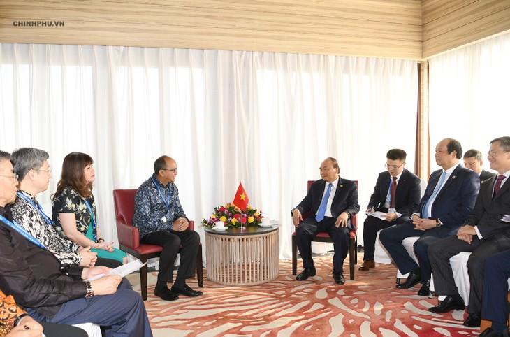 PM Vietnam, Nguyen Xuan Phuc menerima Ketua Kamar Dagang dan Industri Indonesia, Ketua Perusahaan Nikko (Indonesia) serta Presiden Grup Ciputra - ảnh 1