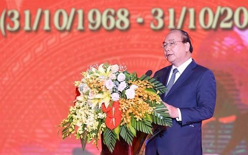 PM Vietnam, Nguyen Xuan Phuc menghadiri upacara peringatan HUT ke-50 peristiwa Truong Bon - ảnh 1