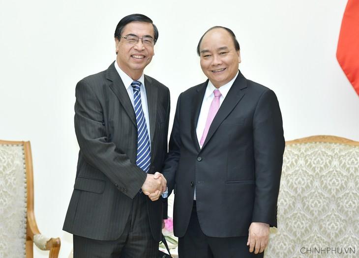 PM Vietnam, Nguyen Xuan Phuc menerima Ketua Asosiasi Penghubung dengan orang Vietnam di luar negeri - ảnh 1