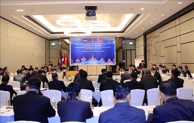 Vietnam-Laos-Kamboja memperkuat kerjasama dalam mencegah dan memberantas narkotika - ảnh 1