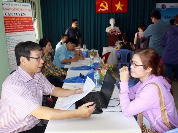 """Simposium online: """"Tenaga kerja dan lapangan kerja pada latar Revolusi Industri 4.0"""" - ảnh 1"""