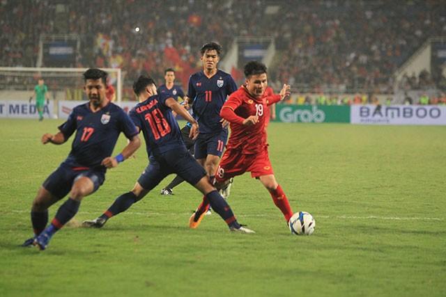 Mengalahkan skuad U23 Thailand dengan skor 4-0, skuad Vietnam lolos masuk ke putaran final Turnamen Sepak Bola U23 Asia 2020 - ảnh 1