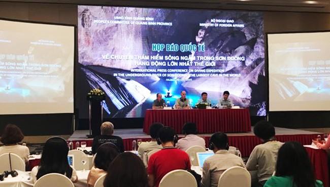 Jumpa pers memperkenalkan penyelaman eksplorasi di sungai bahwa tanah dalam gua Son Doong - ảnh 1