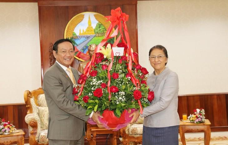 Pemimpin Partai dan Negara Vietnam mengucapkan selamat Tahun  Baru kepada Pemimpin Partai, Negara Laos sehubungan dengan Hari Raya Tahun Baru Tradisional Laos - ảnh 1