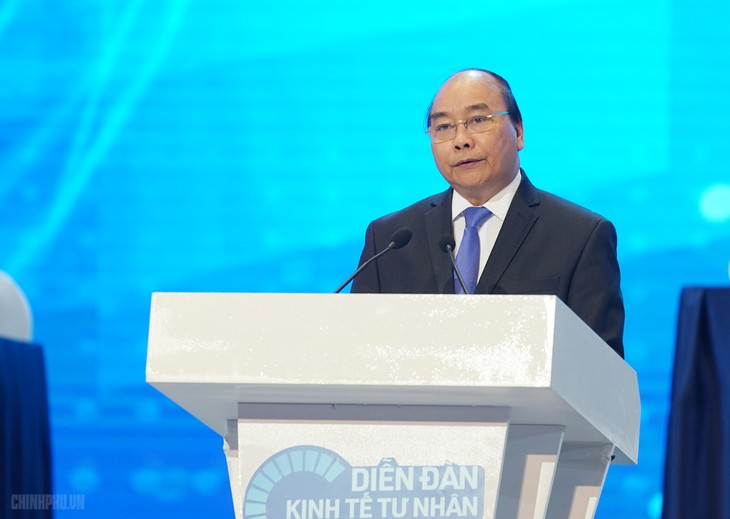 "PM Vietnam, Nguyen Xuan Phuc mengajukan ""kata-kata kunci"" dalam mengaktifkan ekonomi swasta - ảnh 1"