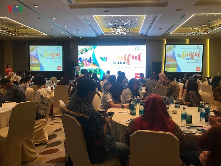 Vietnam memperhebat sosialisasi pariwisata di Indonesia - ảnh 1