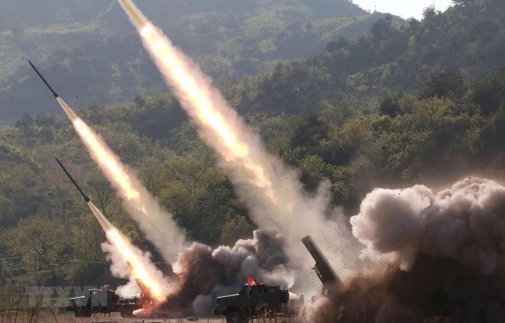 RDRK meluncurkan benda terbang: Pentagon membenarkan bahwa RDRK meluncurkan banyak rudal balistik - ảnh 1