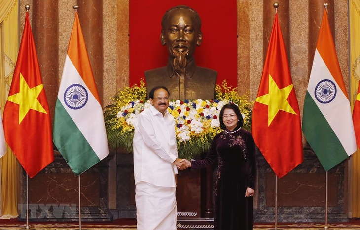 Wapres Vietnam, Dang Thi Ngoc Thinh melakukan pembicaraan dengan Wakil Presiden India, Venkaiah Naidu - ảnh 1