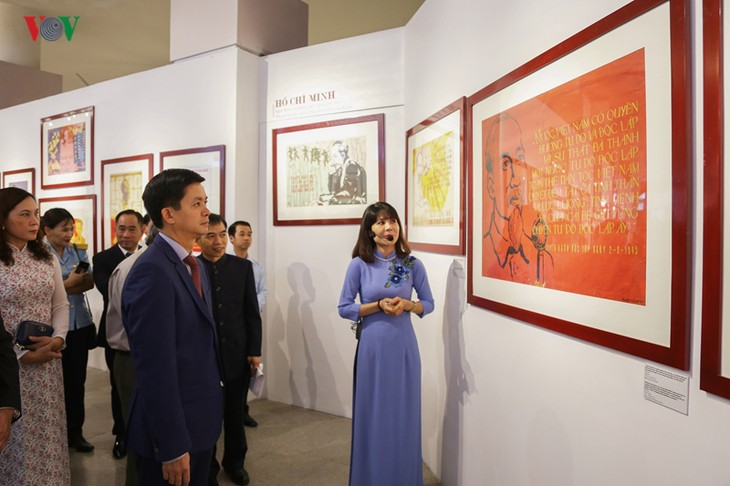 Pembukaan Pameran potret Presiden Ho Chi Minh-Sudut pandang dari lukisan agitasi - ảnh 1