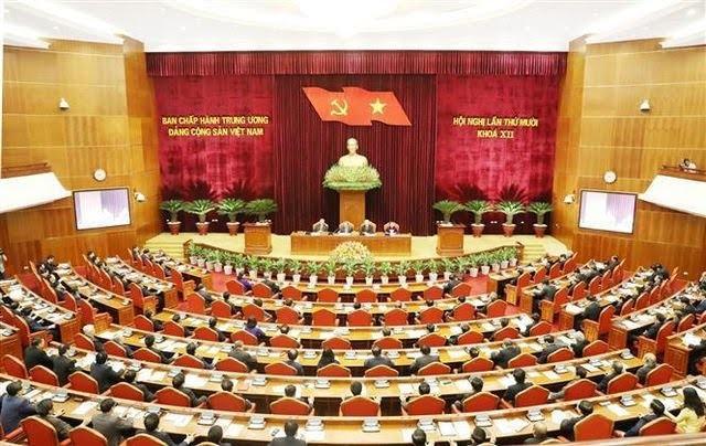 Sidang Pleno ke-10 KS PKV membahas tesis dokumen-dokumen  untuk disampaikan kepada Kongres Nasional ke-13 PKV - ảnh 1