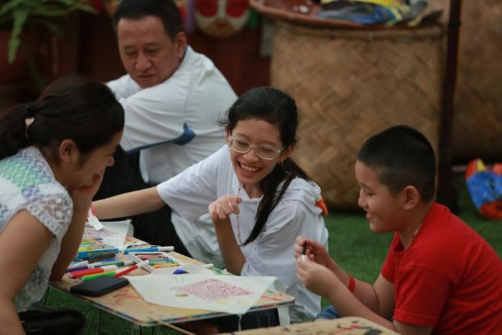 """Aktivitas-aktivitas musim panas """"Calon ujian cilik: Mamasang sayap pada  impian"""" di Danau Van – Van Mieu Quoc Tu Giam - ảnh 6"""