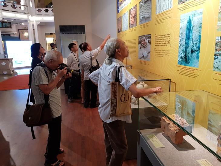 Pembukaan pameran Lambang Negara dan Ibukota Dai Viet - ảnh 1