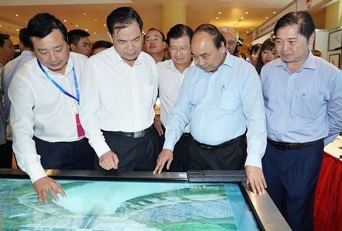 Terus melakukan desentralisasi ke daerah dalam melakukan investasi proyek pencegahan dan  penanggulangan bencana alam - ảnh 1