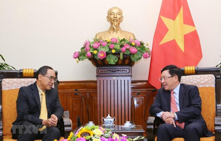 Deputi PM, Menlu Vietnam, Pham Binh Minh menerima Duta Besar Luar Biasa dan Berkuasa Penuh Thailand di Vietnam, Tanee Sangrat - ảnh 1