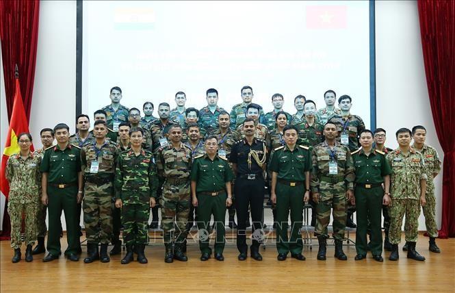 Vietnam dan India melakukan latihan perang gabungan di atas meja pasir tentang penjagaan perdamaian PBB - ảnh 1