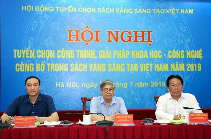 Sebesar 74 bangunan dan solusi yang tipikal dimasukan ke Buku Kuning Kreativitas Vietnam tahun 2019 - ảnh 1