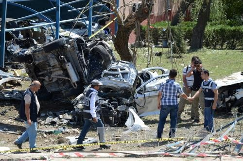 10 people killed and injured by bomb blasts in Turkey - ảnh 1
