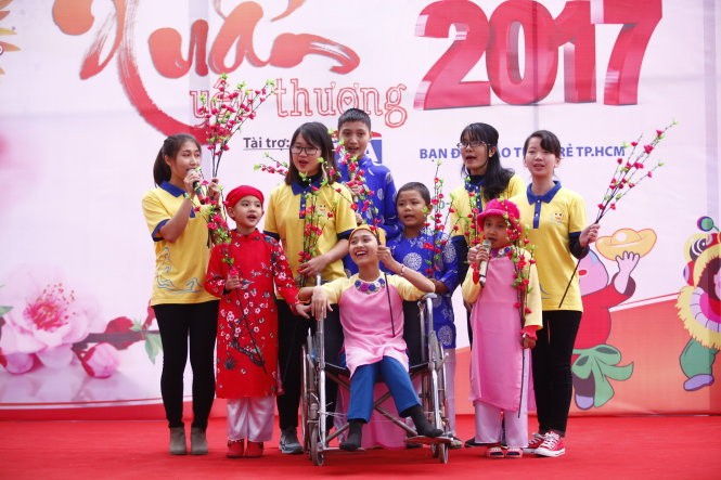Bringing hopes to cancer children  - ảnh 1