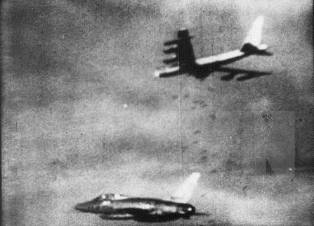 Exhibition recalls memories of Dien Bien Phu  in the Air Victory - ảnh 2