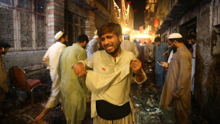 Suicide blast in Pakistan, 13 killed - ảnh 1
