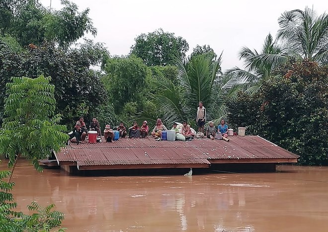 Vietnam ready to help Laos recover from hydropower dam collapse: PM - ảnh 1