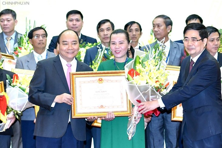 Outstanding individuals, organizations in farming honored - ảnh 1