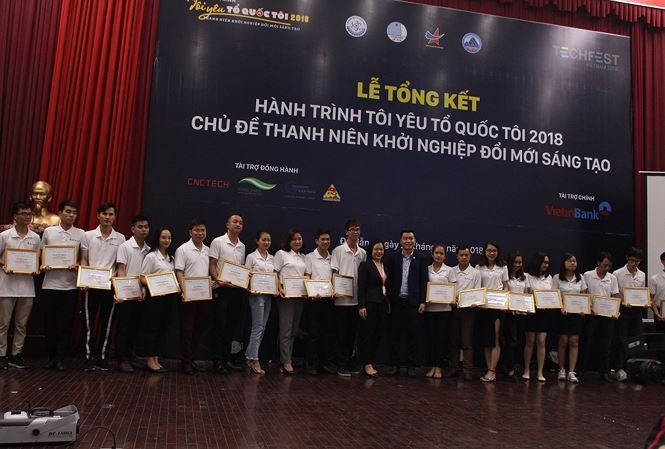 Tour promotes innovative start-ups among young people - ảnh 1