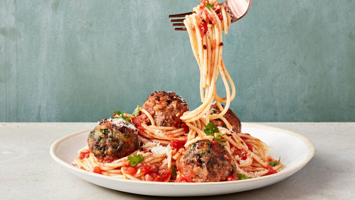 Spaghetti and meatballs - ảnh 1