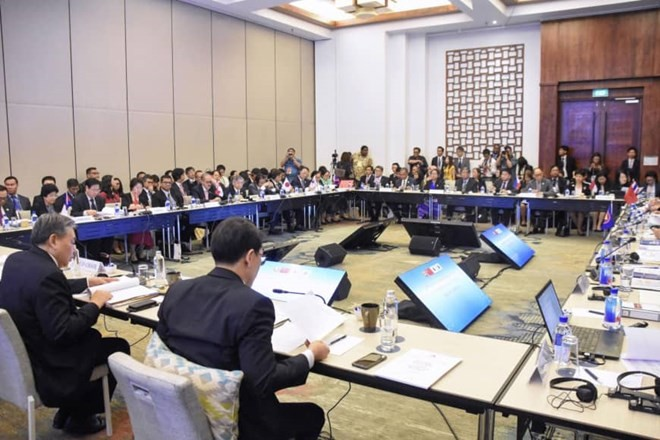 ASEAN+3 finance ministers propose measures to deal with financial crisis - ảnh 1