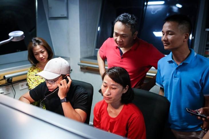Special Radio shows at sea - ảnh 1