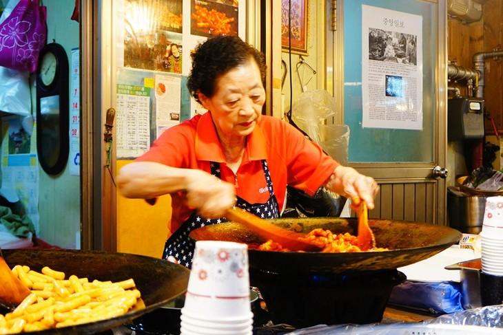 Tteokbokki – Korean Spicy Rice Cake - ảnh 2