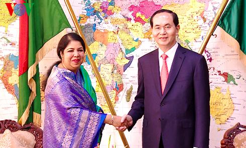 Presiden Vietnam, Tran Dai Quang melakukan pertemuan dengan Presiden Bangladesh - ảnh 2