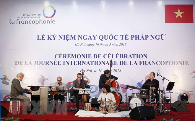 Memperingati secara khidmat  ultah ke - 20 Hari Internasional Francophonie - ảnh 1