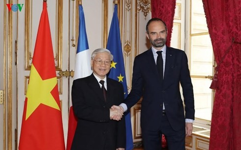 Sekjen Nguyen Phu Trong bertemu dengan PM Perancis - ảnh 1