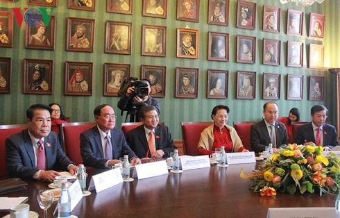 Ketua MN, Nguyen Thi Kim Ngan melakukan pembicaraan dengan Ketua Majelis Tinggi Belanda - ảnh 1
