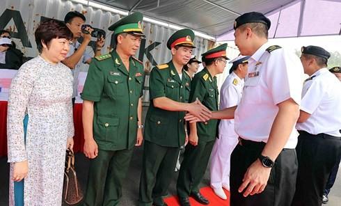 싱가포르 해군선, 다낭 시 방문 - ảnh 2