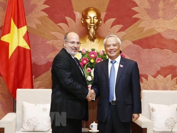 Wakil Ketua MN Vietnam, Uong Chu Luu menerima delegasi kerja Kementerian Luar Negeri Kuba - ảnh 1