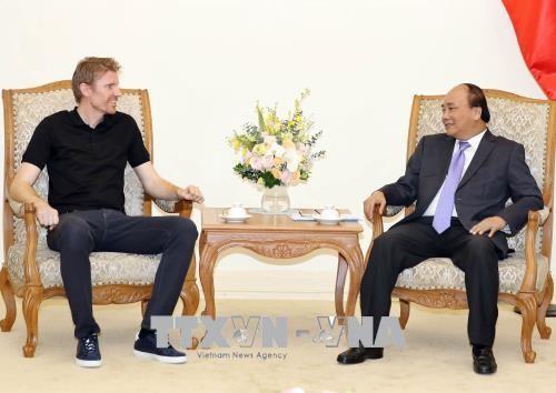 PM Vietnam, Nguyen Xuan Phuc menerima Presiden Grup Zuru, Selandia Baru - ảnh 1