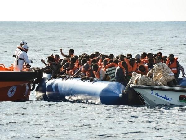 Libia menyelamatkan hampir 500 migran - ảnh 1
