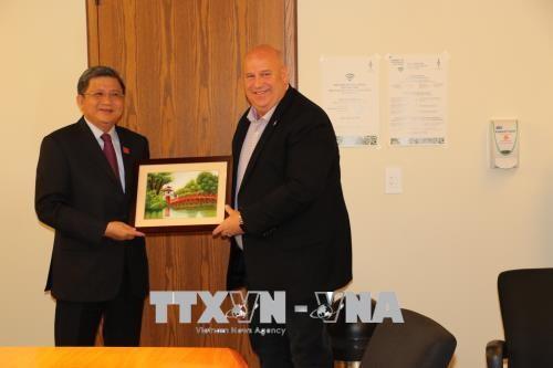 Mendorong kerjasama parlemen dan dalam CPTPP antara Vietnam – Kanada - ảnh 1
