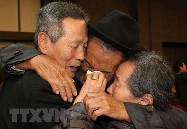 Dua negara bagian Korea aktif mempersiapkan peristiwa reuni keluarga-keluarga yang terpisah - ảnh 1